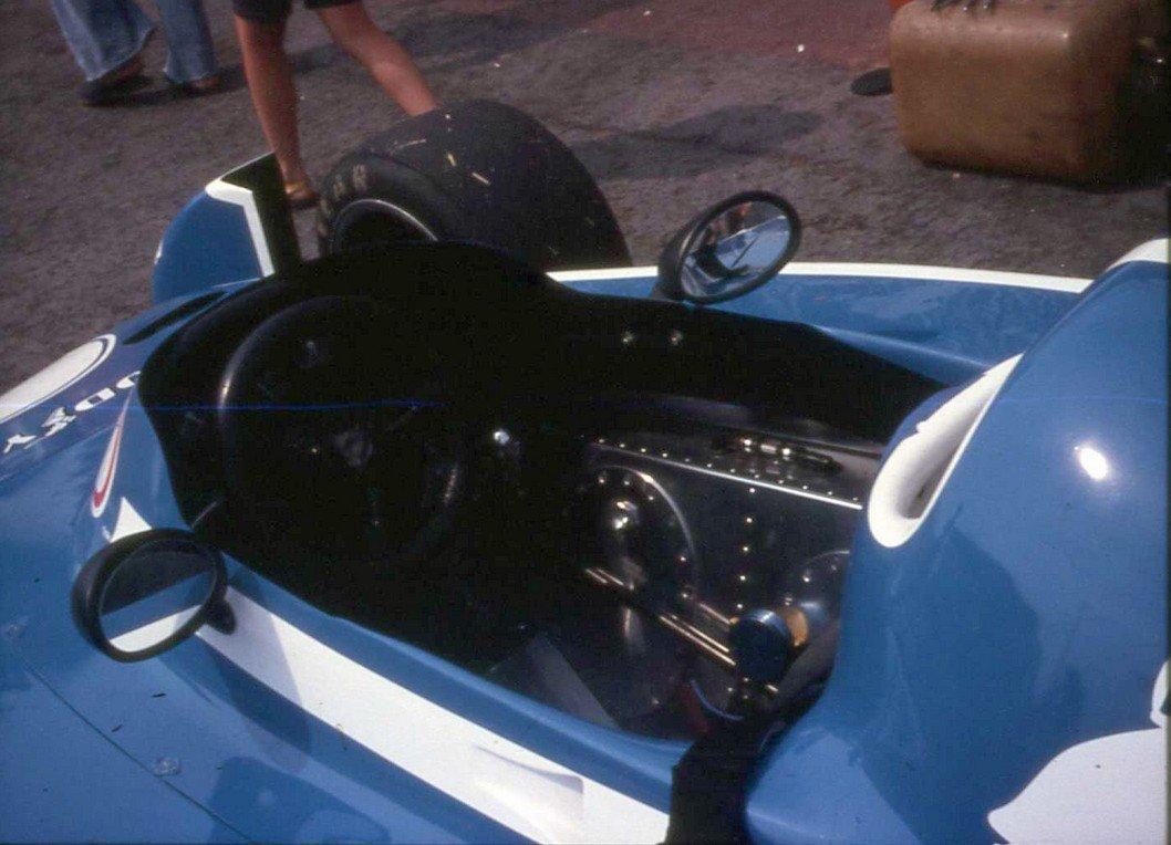cockpit Ligier