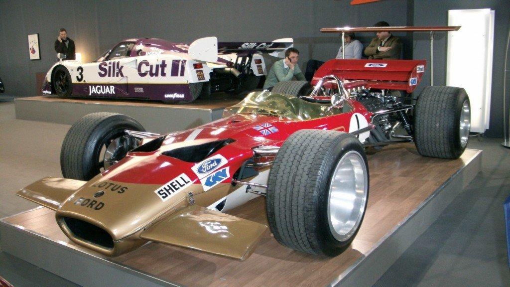 rétromobile 2013 et Lotus 49b à tire d'aile dans 4) arrêt au stand apdc0335a
